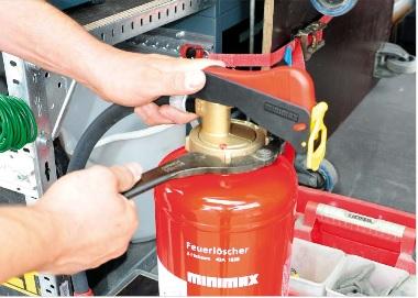 Feuerlöscher Wartung Prüfung Instandhaltung